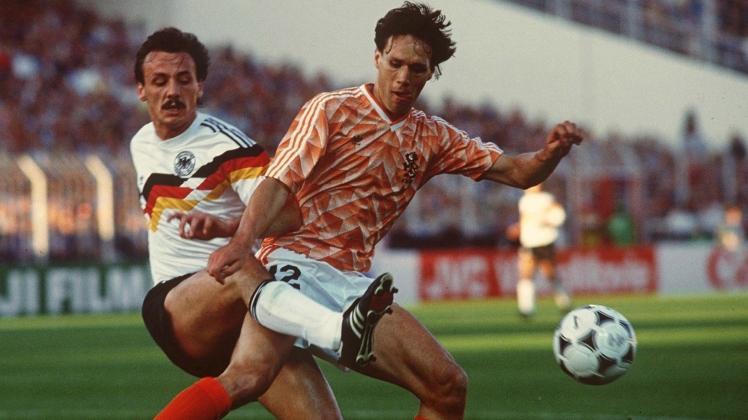 marco-van-basten-jurgen-kohler-netherlands-west-germany-euro-1988_2bf4pdpeqh6i183wqw2xm95x1